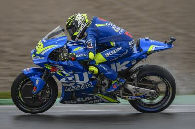 Iannone and Viñales into Q2, Rossi 16th
