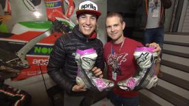 Los fans tuvieron una oportunidad única de conocer a los pilotos y el box del equipo Aprilia