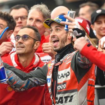 Dovi gewinnt Abbruchrennen, erstes KTM-Podium von Espargaro