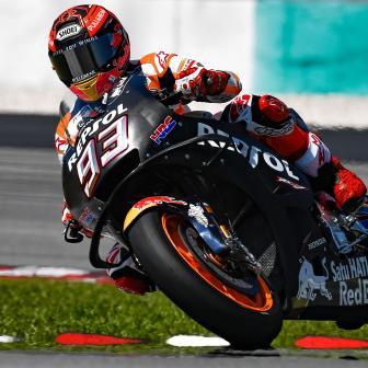 Marquez trotz anhaltender Schmerzen an der Spitze in Sepang