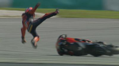 Sepang Test: Pol Espargaro takes a big fall at T1 - Rider OK
