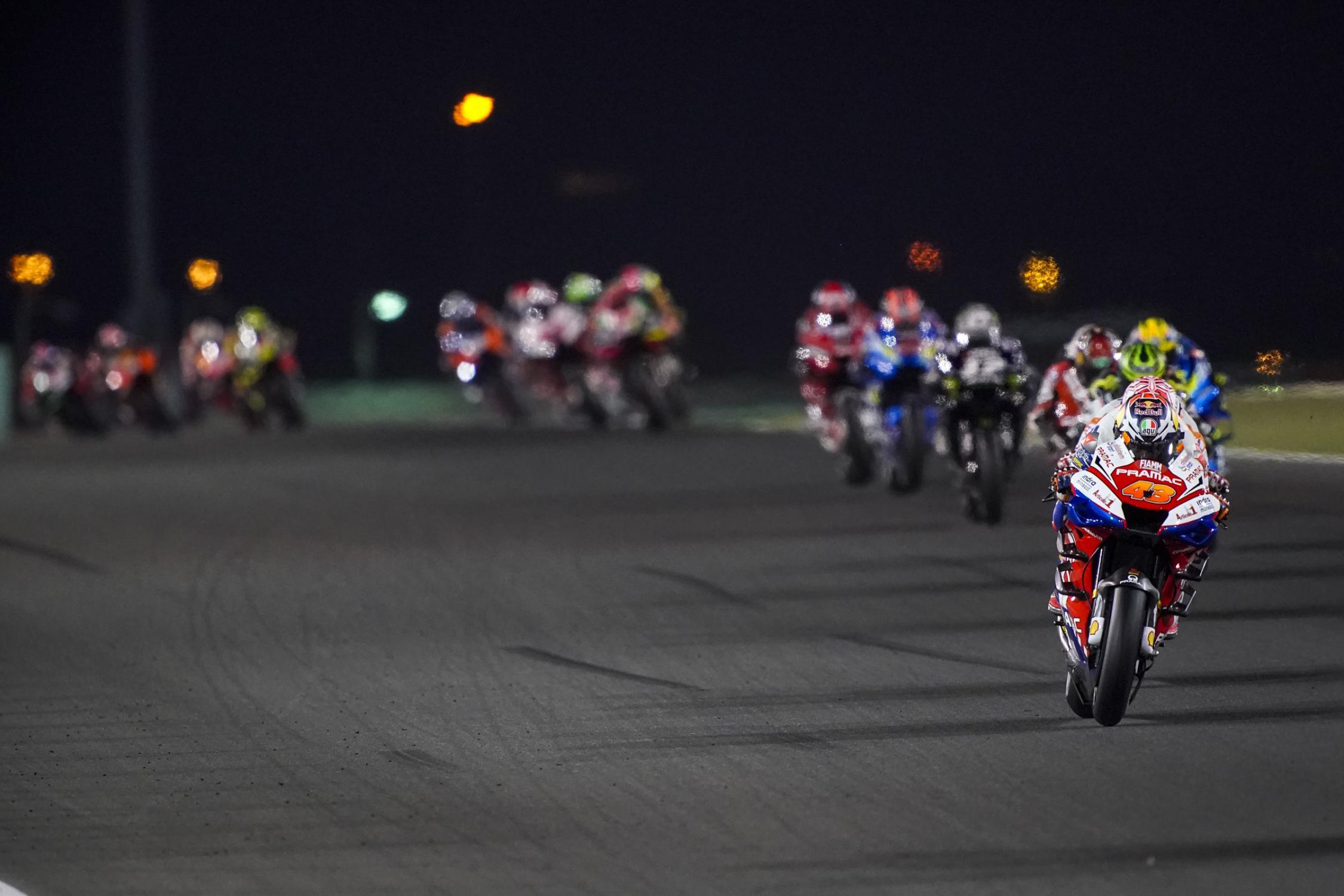 Le bar de la compétition moto ! - Page 38 _ax22496.gallery_full_top_fullscreen