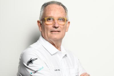 Los secretos del Doctor Mir en MotoGP™ con hombros y manos