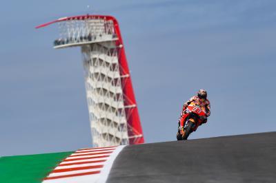 Márquez resiste el asedio de Rossi y conquista la 'pole'