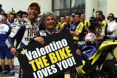 Nieto and @ValeYellow46 celebrated together the Italian's 90th victory in