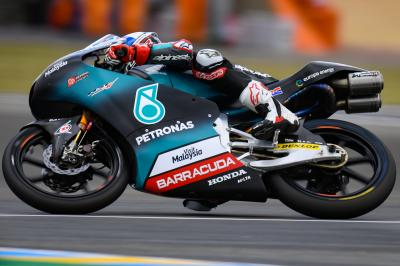 Polesitter McPhee heads dry Moto3™ Warm Up