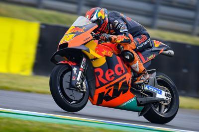 Pol Espargaró impresiona con las novedades de la KTM