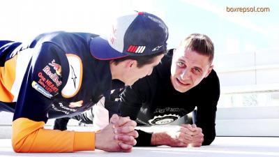 Márquez défie Joaquin pour un 'Plank Challenge' spécial...