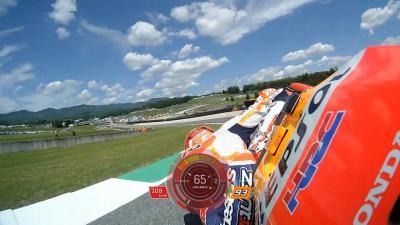 Márquez desafía a la gravedad con una inclinación de récord