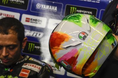 Rossi revela su secreto mejor guardado: El casco de Mugello