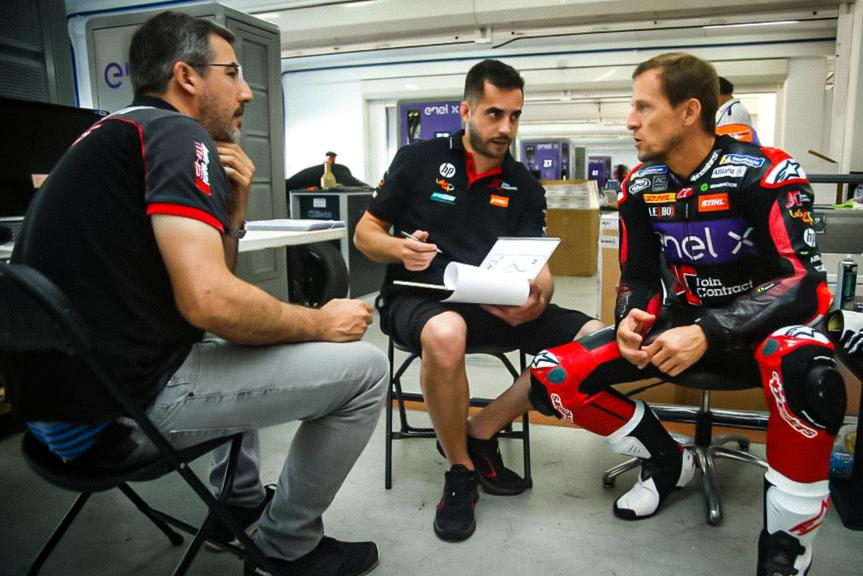 Presentción del Join Contract Pons 40 en Valencia