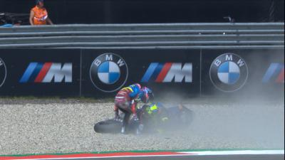 A Dutch drama! The Moto2™ Championship leaders crash out!