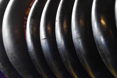 Examen de alto nivel para el flanco izquierdo del neumático