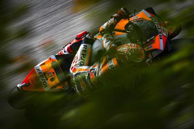 Márquez resiste en un Warm Up con condiciones mixtas
