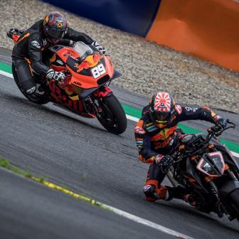 Marcel Hirscher tauscht Ski gegen MotoGP™ in Österreich