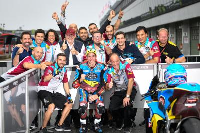 Marquez storms to Moto2™ pole, rookies shine in the rain
