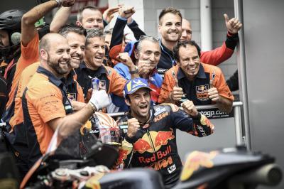 KTM se da un homenaje con Zarco y Pol