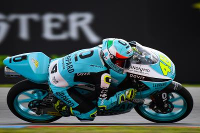 Moto3™ - Brno : Dalla Porta brille au warm-up !
