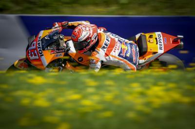 Las Ducati incrementan su presión sobre Márquez y Viñales