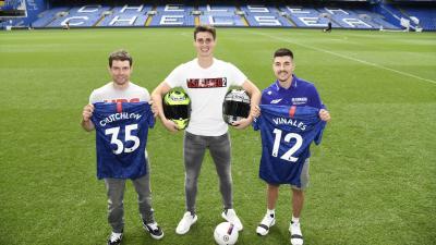 Crutchlow and Viñales meet Chelsea star at Stamford Bridge