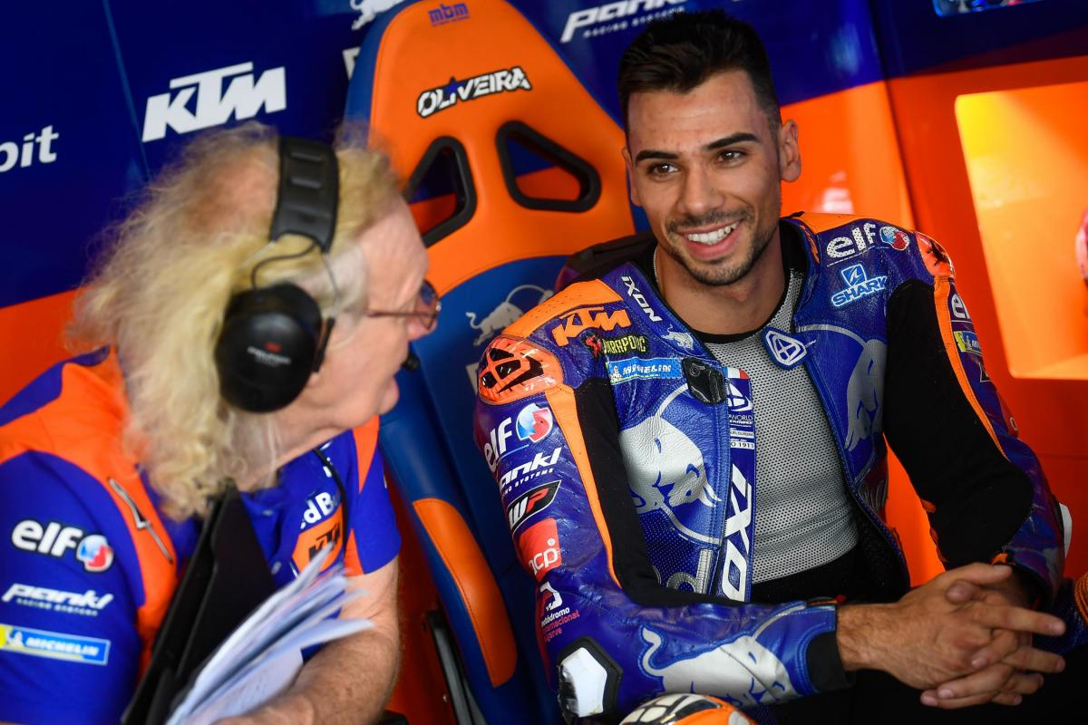 Oliveira a candidate to replace Zarco in the KTM Factory? | MotoGP™