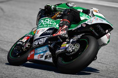 Nagashima tops Moto2™ FP1 from Fernandez