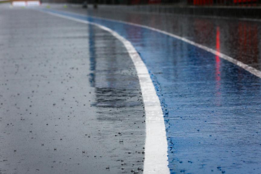 PTT Thailand Grand Prix, rain