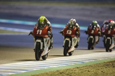 Matsuyama abre brecha con la primera carrera