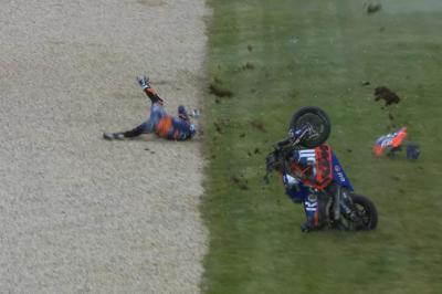 Massive crash for Oliveira during FP4