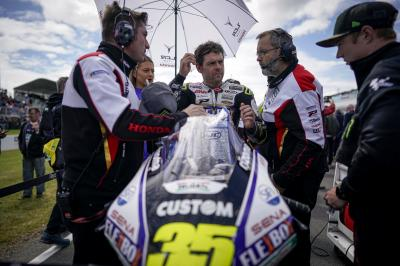 """What a year"" – Crutchlow's incredible 12 month turnaround"