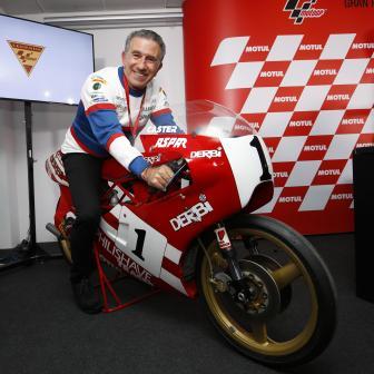 Jorge Martinez wird als MotoGP™ Legende geehrt