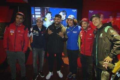 Nicky Jam rockt das Fahrerlager in Valencia