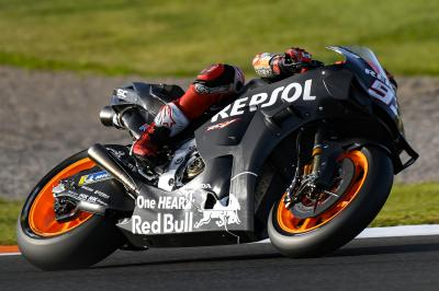 Check out the new look! Marquez tests a new fairing