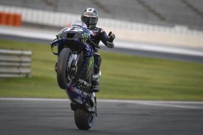 Le Yamaha dettano il passo, Viñales è al comando