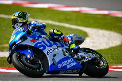 "Check out the ""new old"" Suzuki colours in action at Sepang"