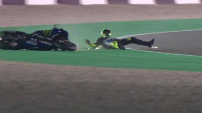 Rossi cade durante il test in Qatar