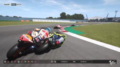 Una caduta impedisce a Rossi di vincere