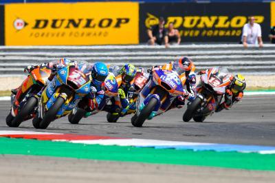 Los pilotos celebran con Dunlop su pasión