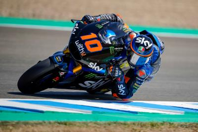 Marini holds off mounting Nagashima pressure for Moto2™ win