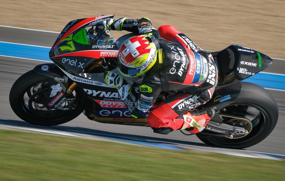 Aegerter consolida un gran ritmo con su primera E-Pole | MotoGP™