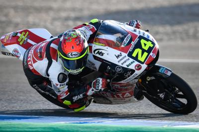 Suzuki wins from pole as Arenas crashes