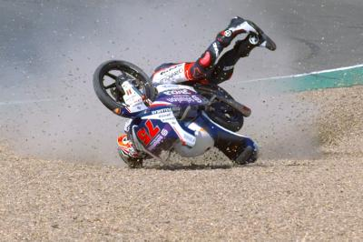 Moto3™ Championship leader Arenas suffers nasty crash
