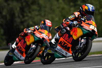 Polesitter Fernandez sets the pace in Moto3™ Warm Up