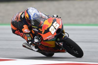 Fernandez goes back-to-back with home pole for KTM