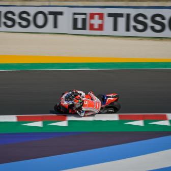 Bagnaia stellt neuen Rundenrekord in dramatischem FP3 auf