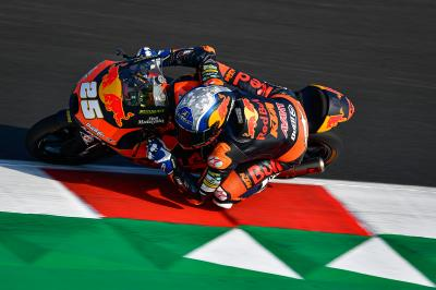 Polesitter Fernandez fastest in Moto3™ Warm Up