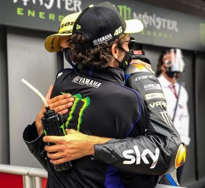 It's all about brotherly love today @luca_marini_97 takes his 3rd