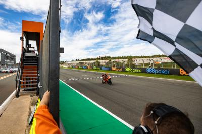 FREE! Key Championship moves on last lap of the Moto3™ race