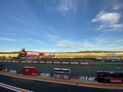 Good Morning paddock. Welcome to sunny Ricardo Tormo Circuit
