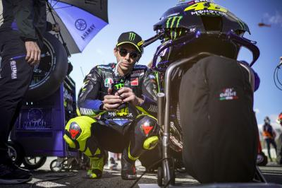 Rossi heißt Joan Mir im MotoGP™ Weltmeister-Club willkommen